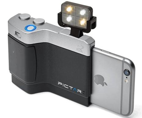 iPhone用カメラグリップ「Pictar」 フラッシュ取り付け画像